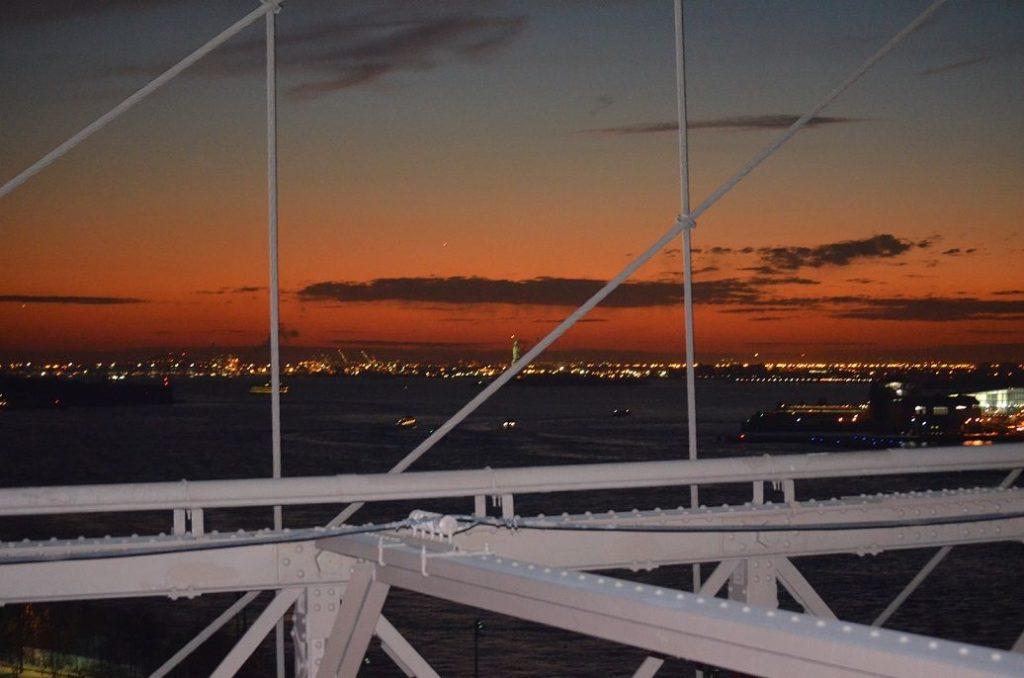 Sonnenuntergang auf der Brooklyn Bridge