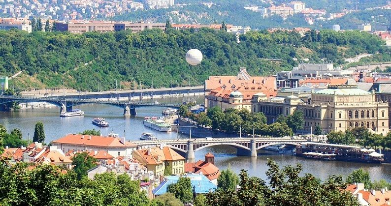 Ausblick auf Prag und die Moldau