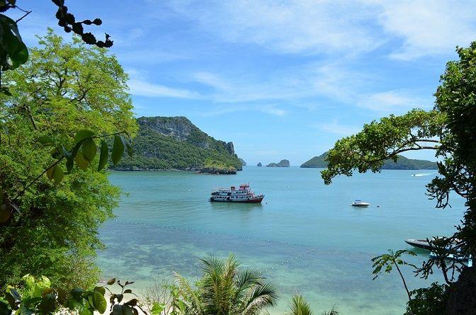 Schiff im Mu Ko Ang Thong Marine Nationalpark