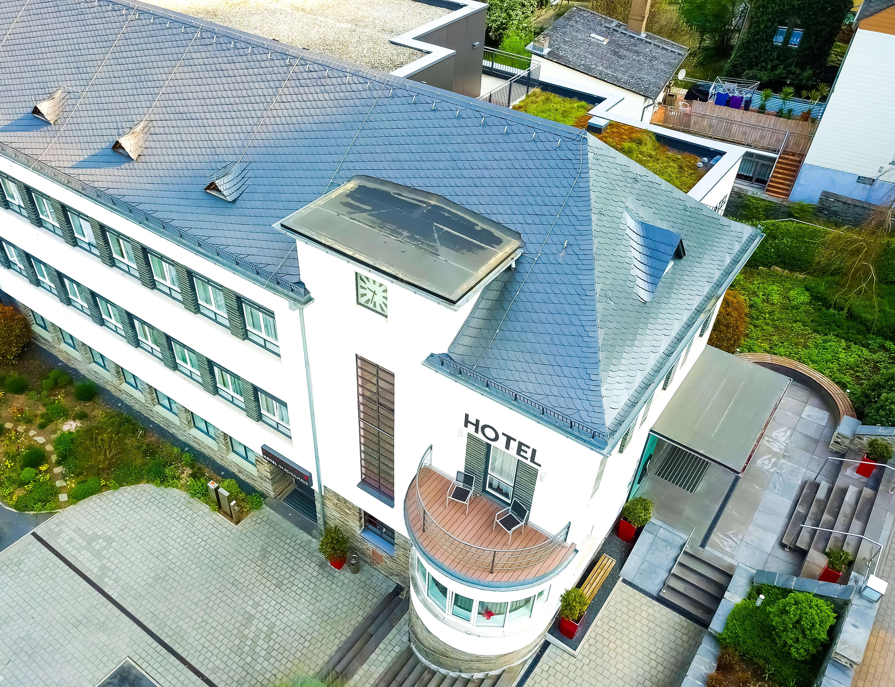Hotel im Schulhaus Lorch aus der Luft