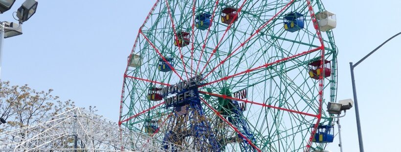 Das Wonder Wheel Riesenrad bei Coney Island