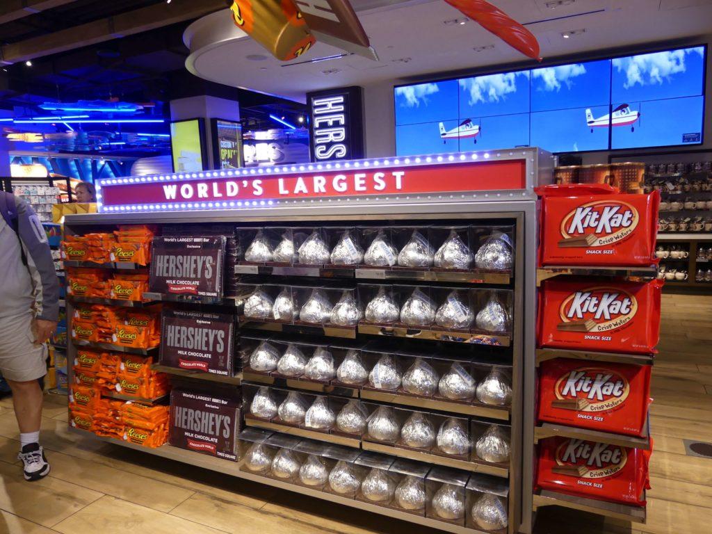 Große Auswahl an Schokolade im Hershey Store in New York