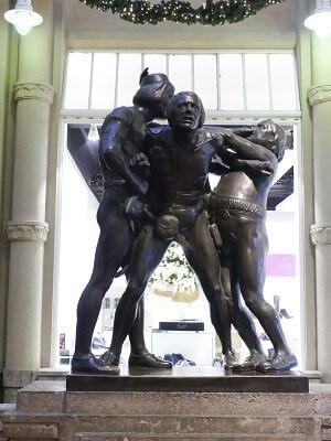 Bronze Statuen in der Mädler Passage Leipzig