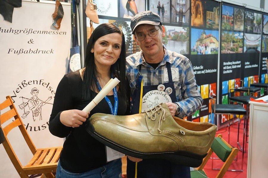 Schuhgrößenbestimmung bei der TC Reisemesse