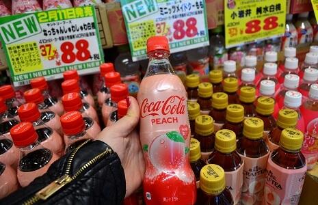 Coca Cola Peach im Don Quijote in Shibuya Tokio