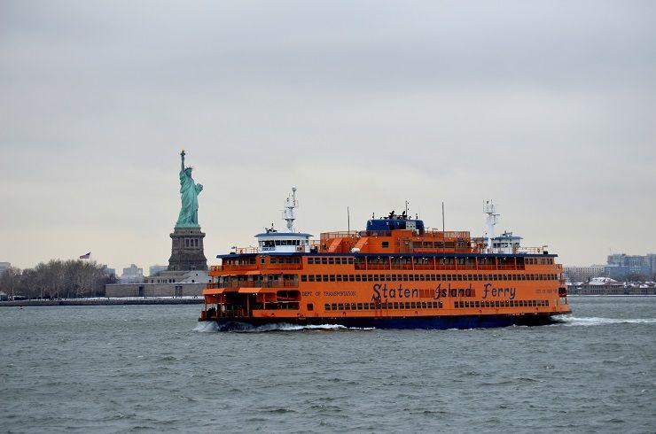 Freiheitsstatue und staten island ferry
