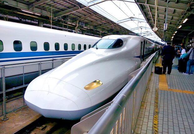 Shinkansen Zug in Tokio