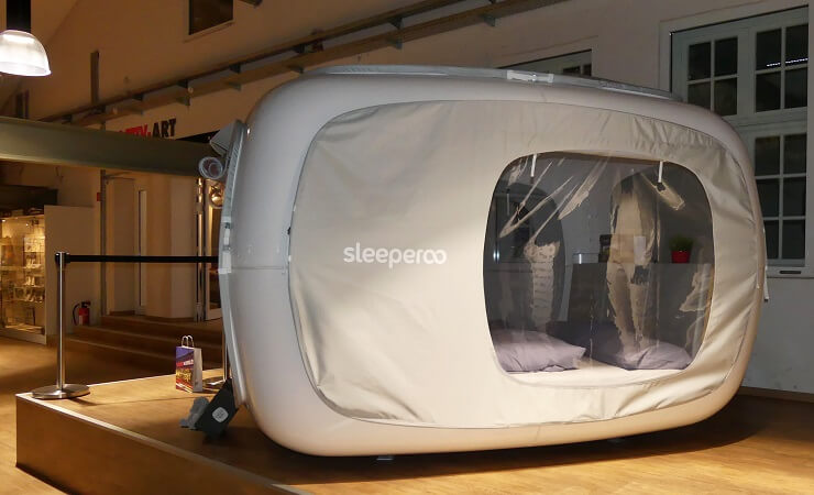 Der sleeperoo Cube in der Motorworld in Böblingen